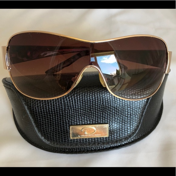 Oscar de la Renta Accessories - Oscar de la Renta Gold Frame Sunglasses